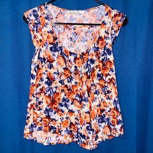 Womens Chloe K. Shirt. Size S. Floral Design.